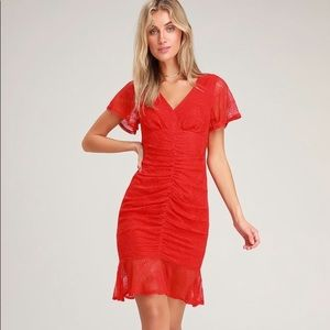 💃🏼 Lulu's • Harlou Lace Ruched Bodycon Red Dress